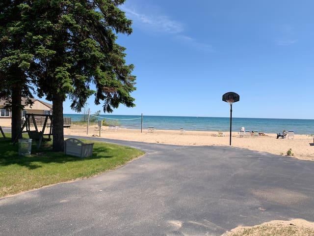 Lake Huron Resort · Private Beach Cottage No. 4