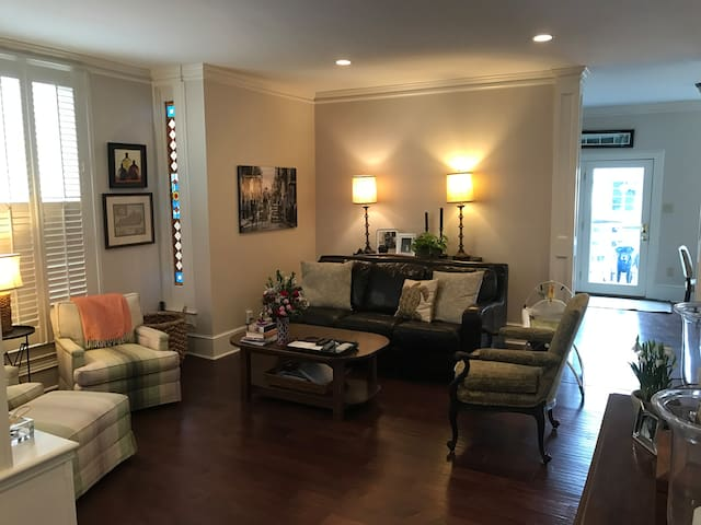 very comfortable, open concept family room and kitchen