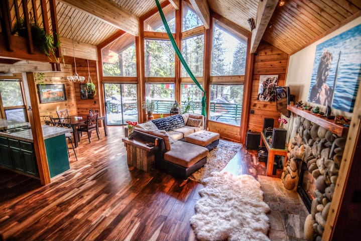 Truckee Art House - Sunny Great Location - Truckee - Huis