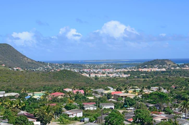 The S'Maarten Experience