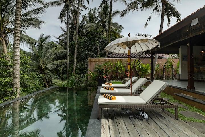 Villa Niyamas, Luxury on valley edge, Ubud heart