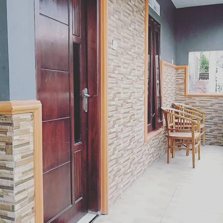 Dhea homestay type room near bns