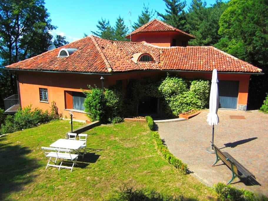 Holiday villa Nassi in Ispra at the shores of Lake Maggiore