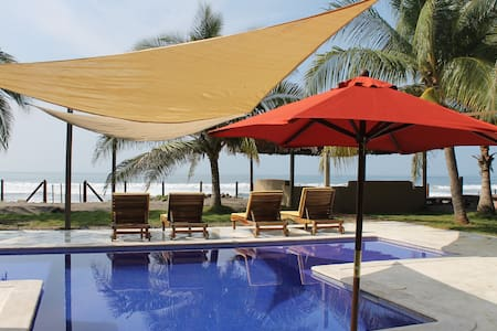 Charming tropical beach getaway. - Barra de Santiago