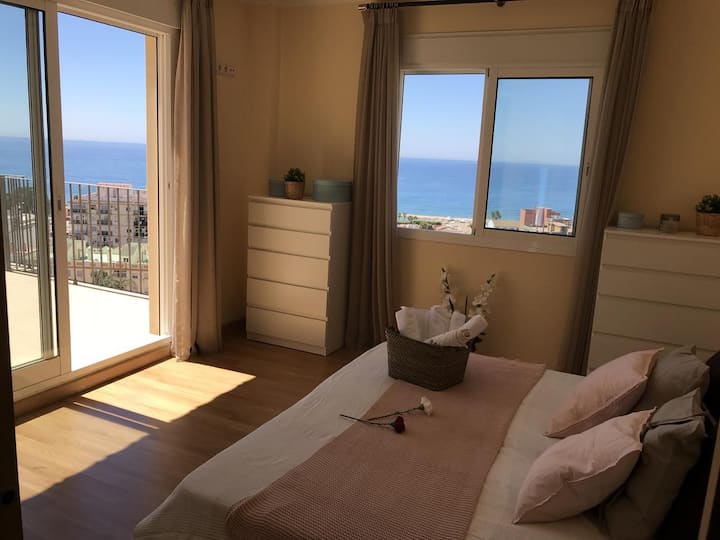 Suite King with balcony in seafront villa