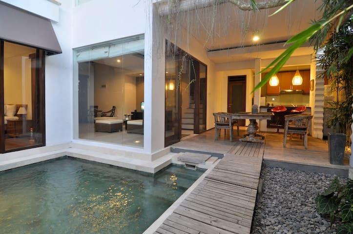 Tropical Peacefull Breeze Praba Villa - Kuta - Villa