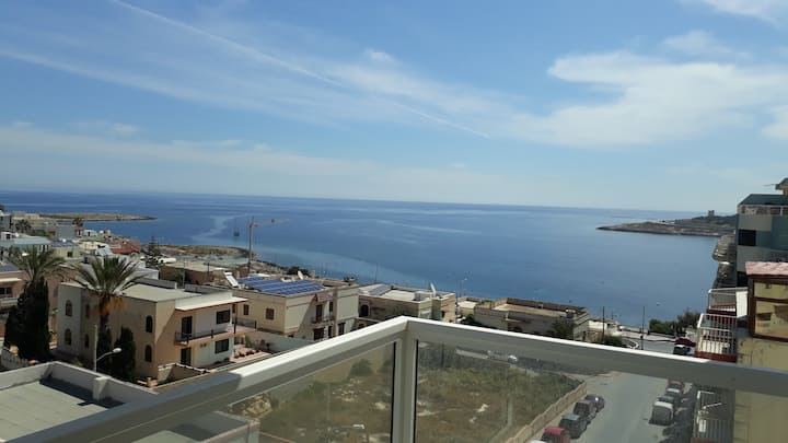 Brand new, lovely, sea view Qawra apartment.+offer