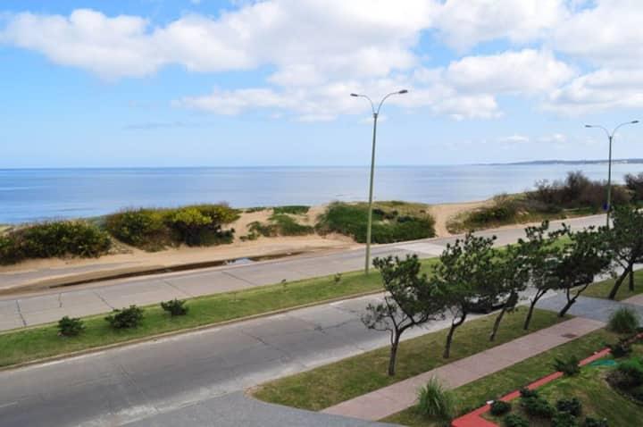 Apto. en Punta del Este frente al mar/Playa Mansa