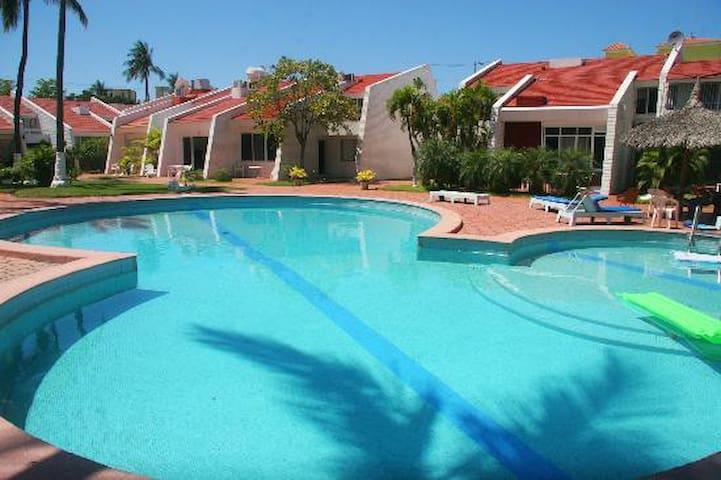 Condominios Villa Serena