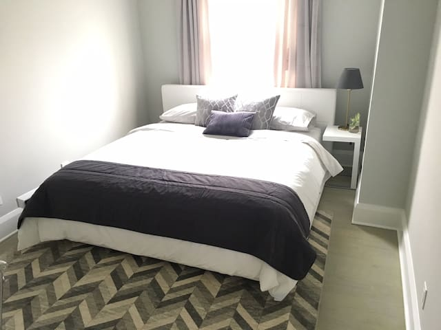 Downtown - Modern, Clean Master Bedroom w/ Ensuite
