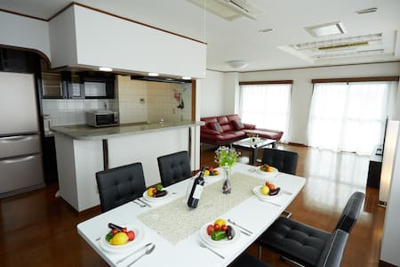 Asakusa 160sqm 5 bedrooms, 1min. subway, 2 toilets - 台東区