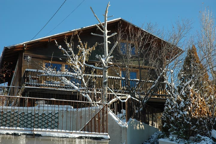 Cosy chalet in a sunny location - Estavar - Rumah