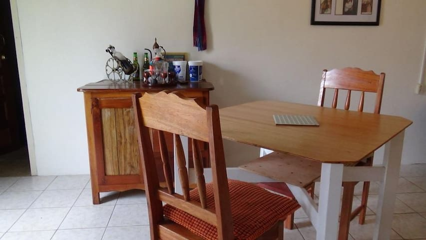 Apartment with AC, Tropical Country Home - Teakettle - Casa