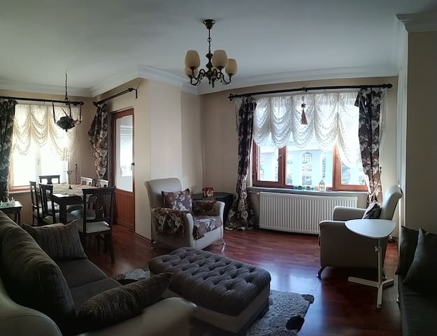 Big Bright Flat Perfect for Families in Ortaköy
