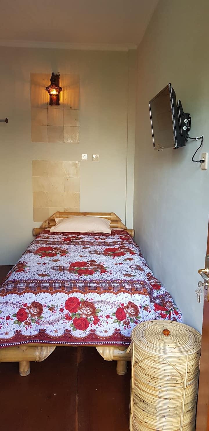 Single Bed Room in de Prisha Janti, near from JEC