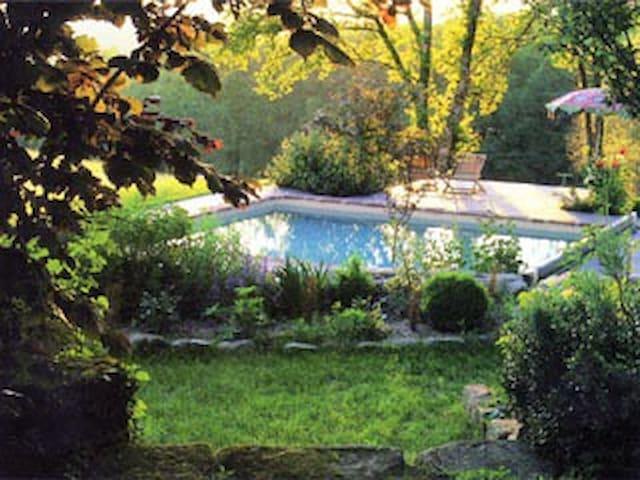 La Brousse Cottage - Marcillac-la-Croze - Huis