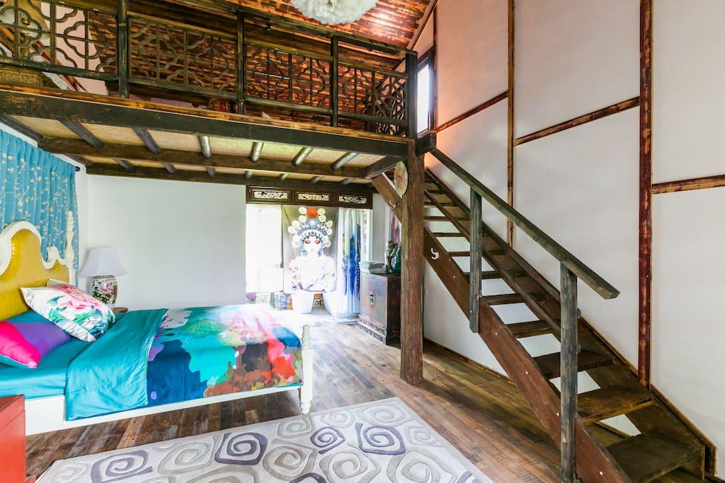 木楼梯通复式楼上