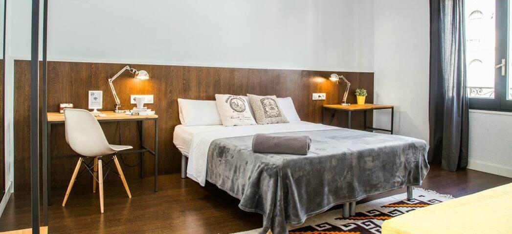 Luminous and spacious triple bedroom