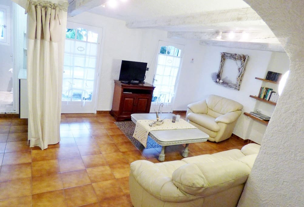 Loft tr s cosy au calme avec piscine lofts louer - Loft salon de provence ...