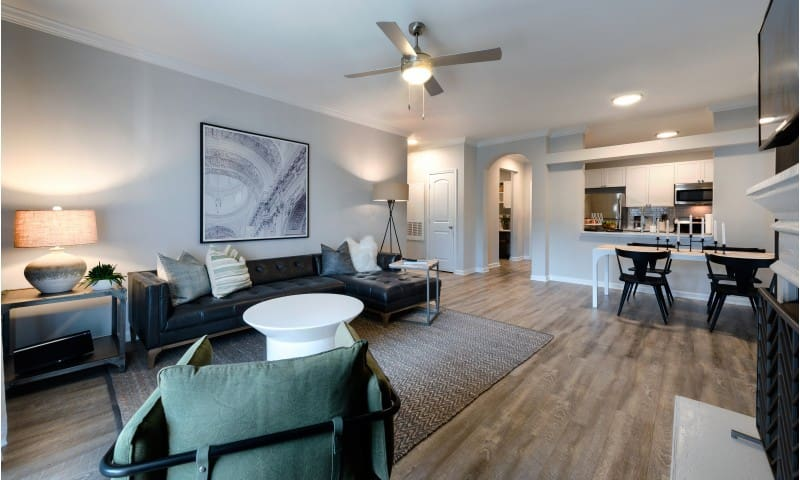 Live + Work + Stay + Easy   1BR in Herndon