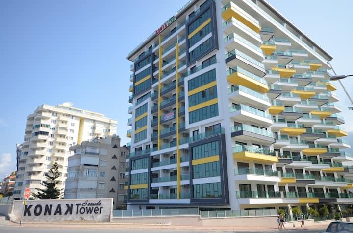 Современная квартира на берегу моря