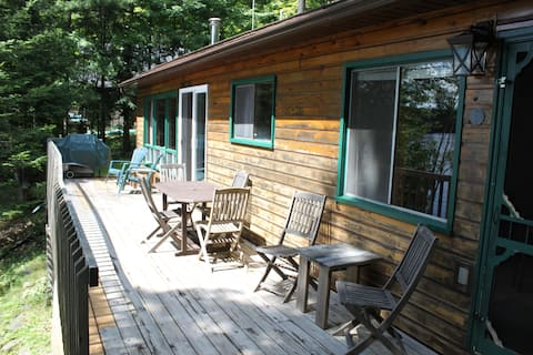 Beautiful 3bdr Lakefront Hideaway in Harcourt Park