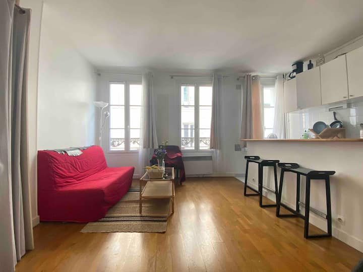 Beautiful apartment in Montmarte