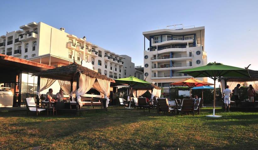 Sousse : Appartement avec plage privée et SPA