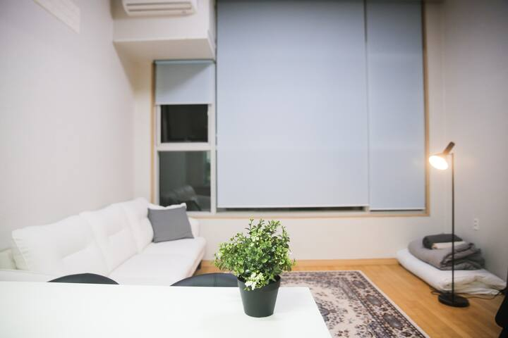 1min Oryudong Stn. A clean and neat duplex apt.