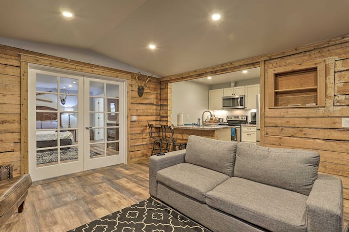 NEW! Rustic Anchorage Hideaway Minutes from Trails