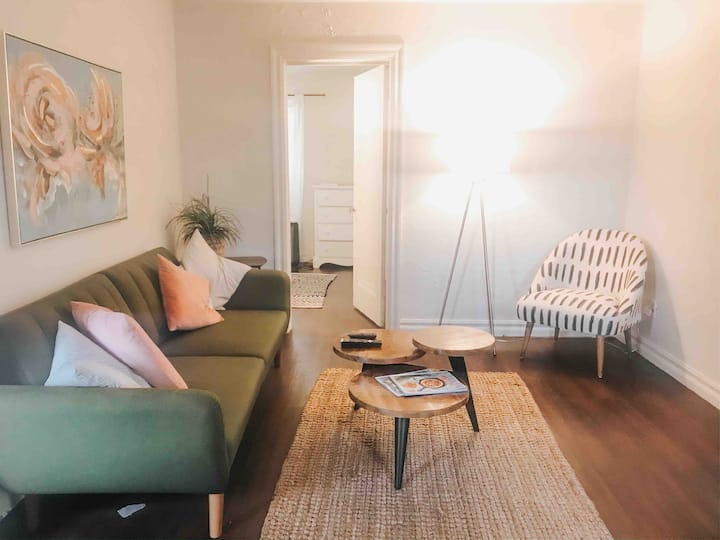 The Ellison • Safe & Clean Stay • Plaza District