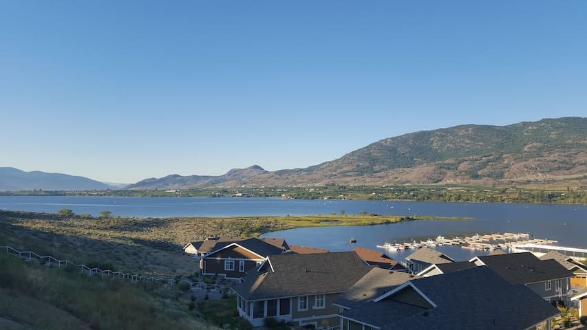 Perfect Vacation in Okanagan New 1 Bedroom Condo - Osoyoos - Dům