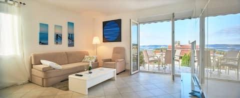 4-star apartment ★sea view ★near beach and centar