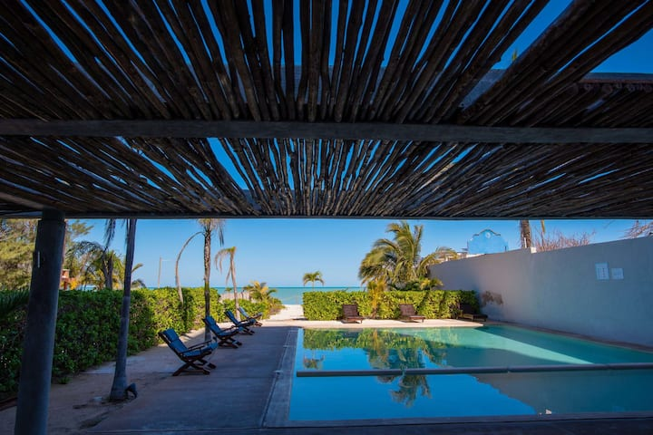 3 1/2 BR Beachfront, Modern Condo, Private Pool, Steps to the Beach