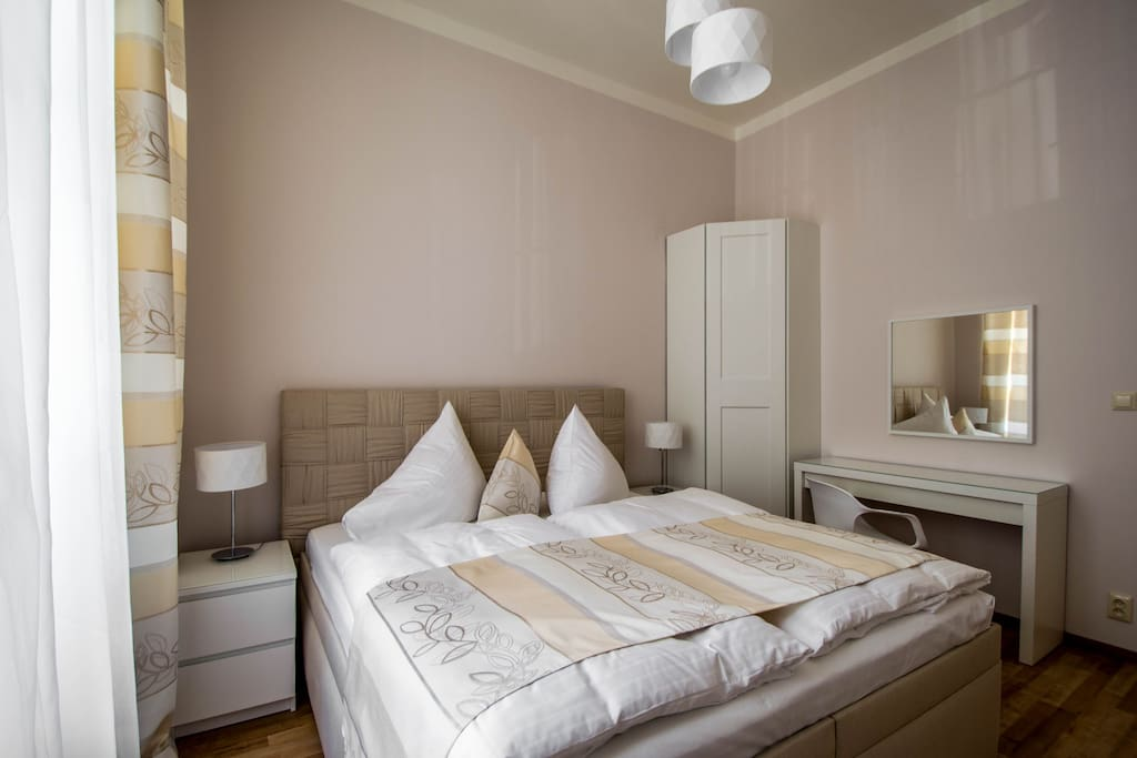 2nd bedroom in pastel colours