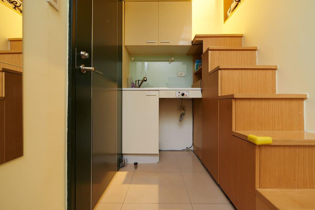 簡易廚房有電磁爐/Induction cooker