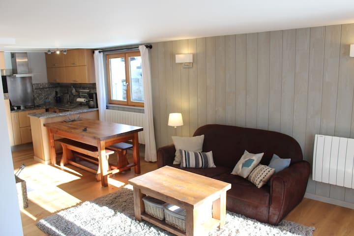 2 bedroom apartment, 450m Grand Montets lift