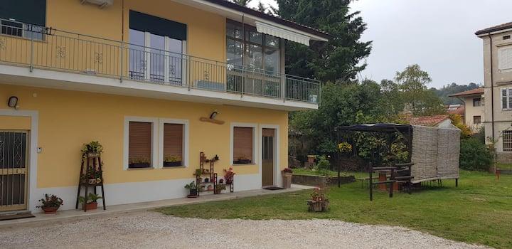 Sunny's House vi aspetta. Relax nel verde di casa.