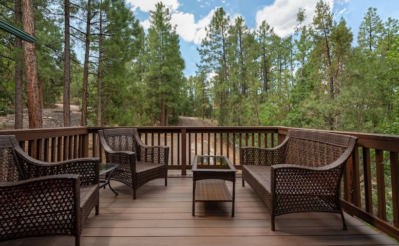 Pinetop Paradise-Escape to the Pines! Sleeps 6