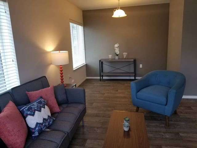 Downtown One Bedroom Close to Seattle Center 3F