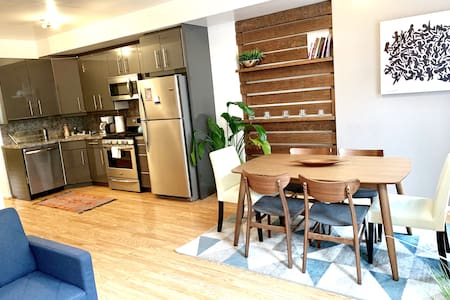 Charming Bright 2BR apt- sleeps 6