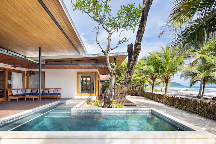 Beachfront Luxury Villa Akoya
