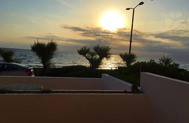 Salento-Deliziosa casa fronte mare - Lendinuso  - บ้าน