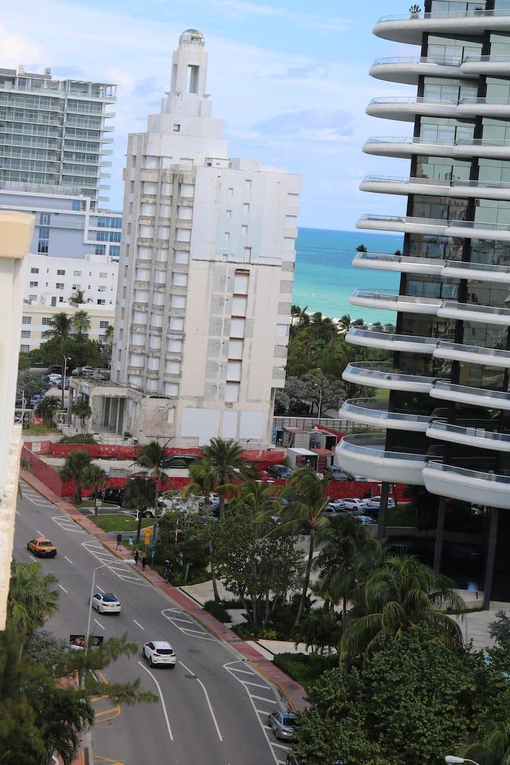 Miami Beach, New Listing Super Bowl Ready, Parking