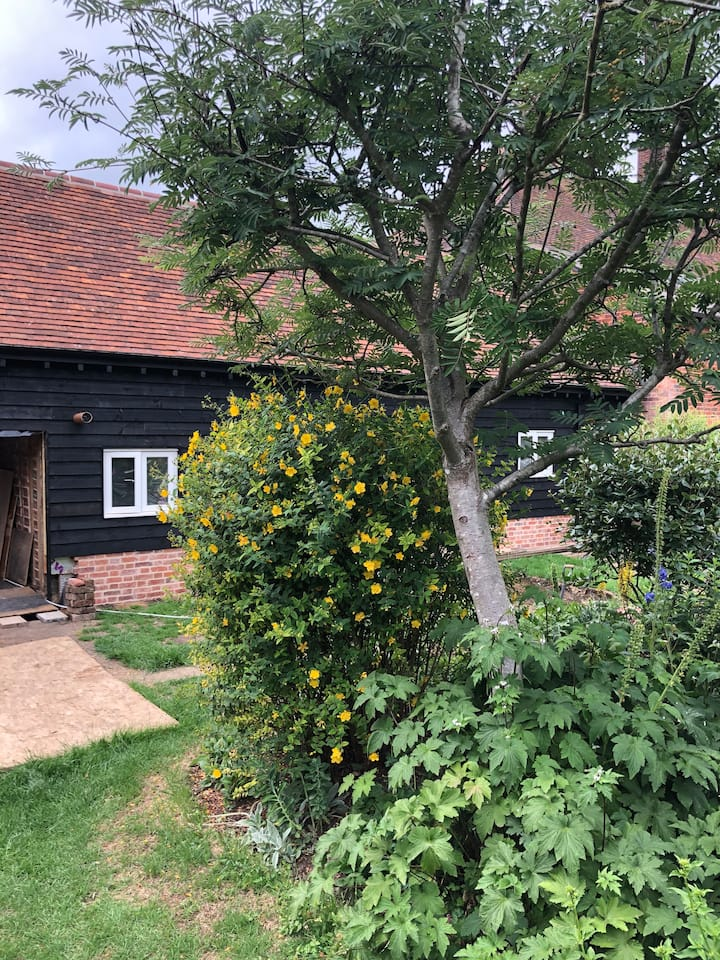 The Great Barn, lux 3 bedroom, 2 bath conversion