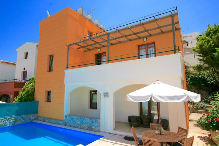 Villa Odysseus with private swimming pool