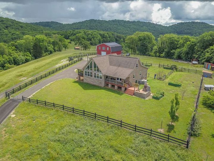 Firefly Hill Ranch Near Nashville - Amazing Views