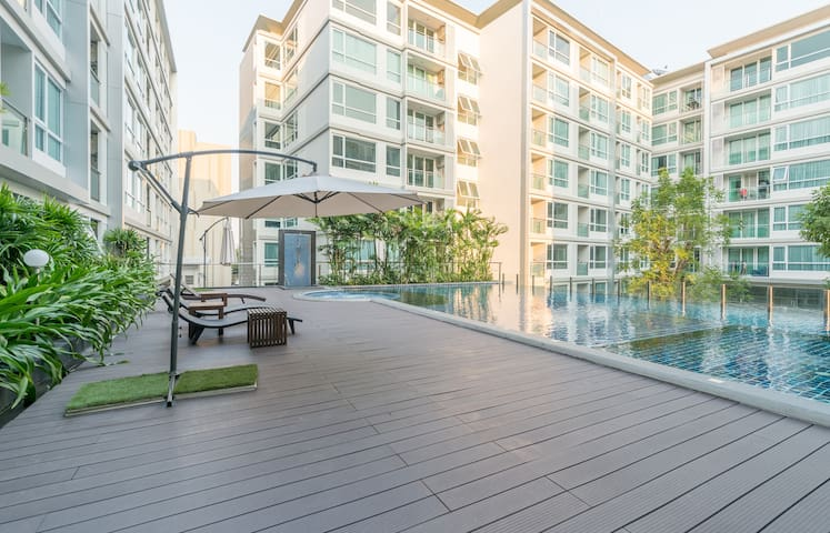 Luxurious condo on Sukhumvit/ Near BTS/ Free wifi - Bangkok - Apartamento