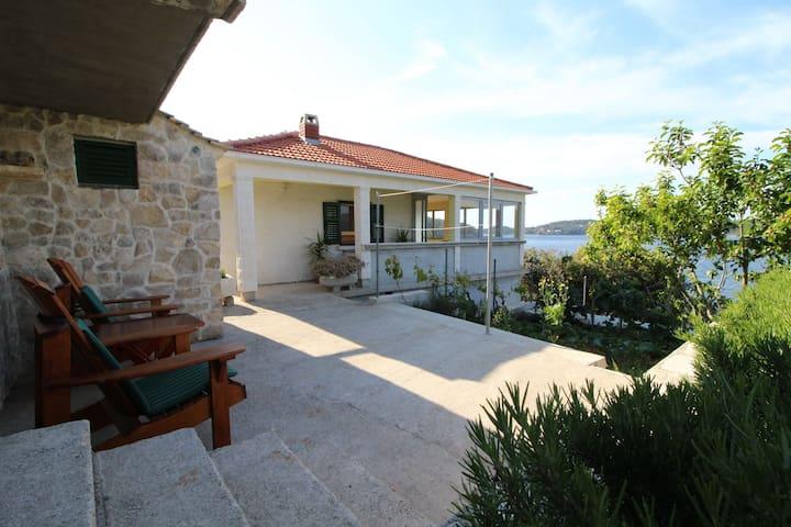 Amazing Beachfront Holiday Home