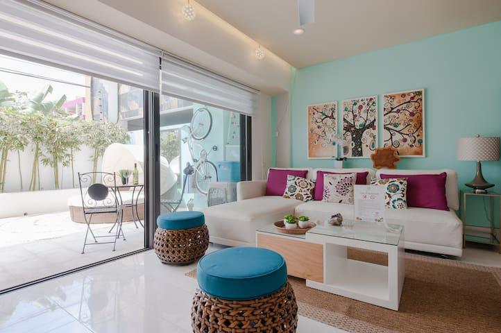 Luxury 1 BR w/private garden & pool - Zen Paradise